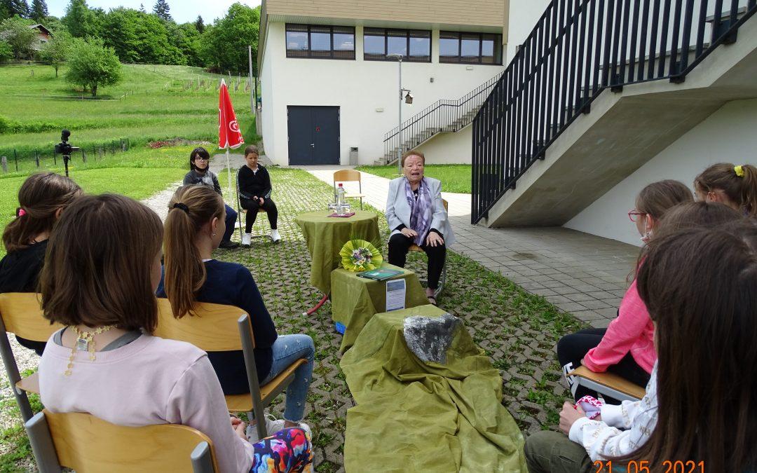 Pisateljica Ivanka Mestnik na obisku